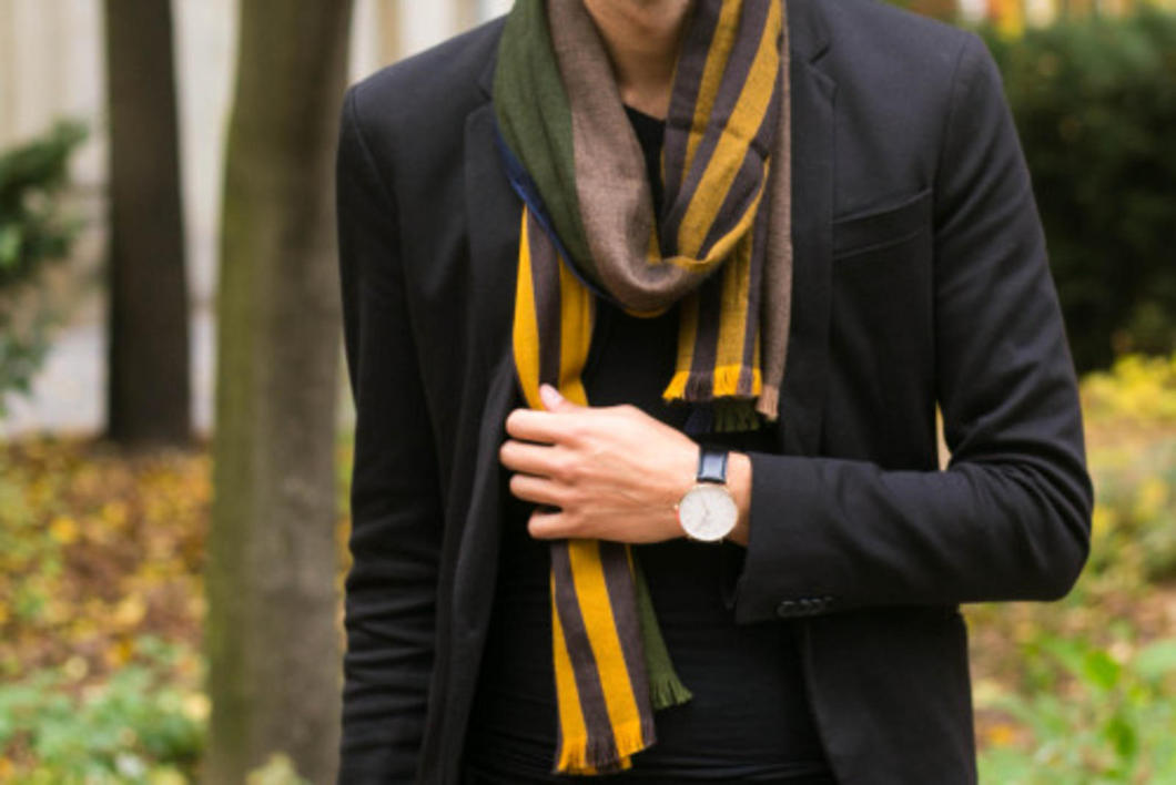 I've been wearing a lot of black since I moved to Berlin, and I've learned the key is to mixing up the black pieces you wear with accessories. Such as adding a scarf and chelsea boots to be your finishing touches.