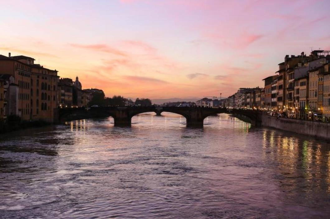What to do in Florence with only three days is a tough decision, but if you're willing to rise early and put your walking shoes on. You can see a lot more than you would probably expect and still have time for a GELATO break (or two)!