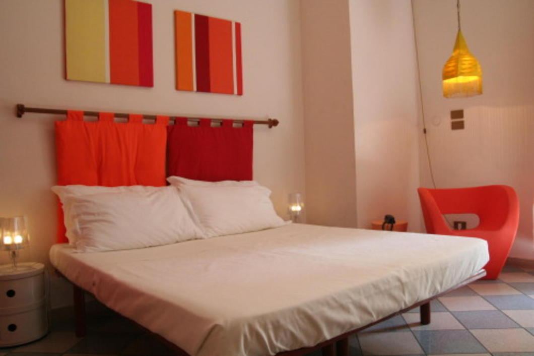 In the middle of Rome, less than five minutes from Termini train station lies a cozy, stylish, and eco-conscious ho(s)tel, The Beehive Rome.