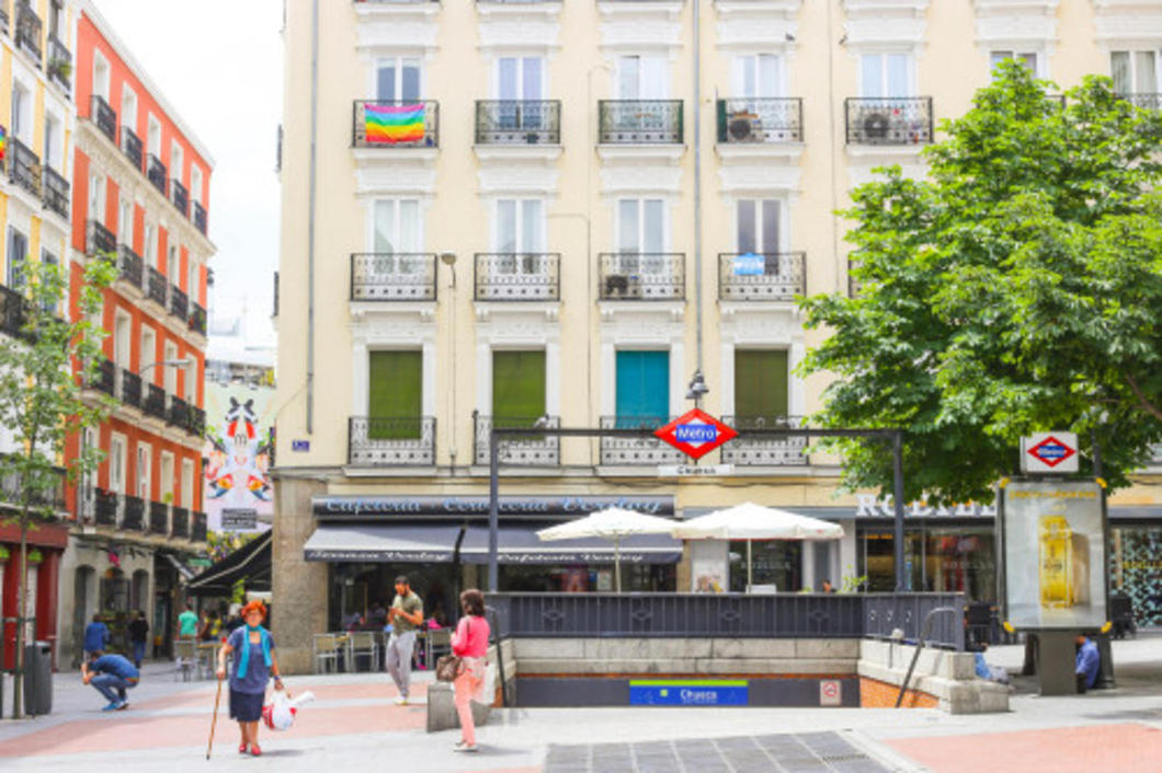 The capital of Spain and a favorite city to many, Madrid has a charm that its counter city Barcelona doesn't offer.
