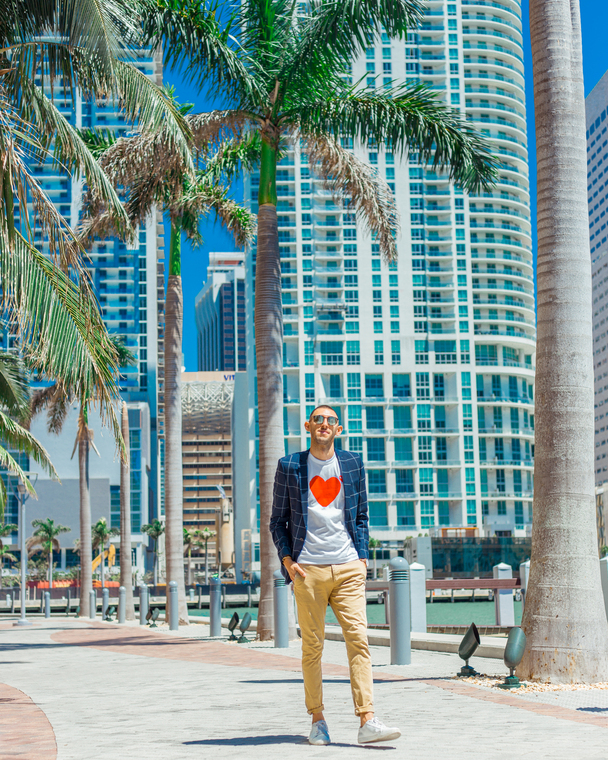 Thumb freddy rodriguez at downtown miami harbor